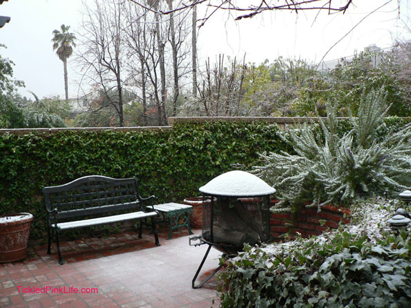 Snow fall north of Los Angeles January 2, 2011 patio