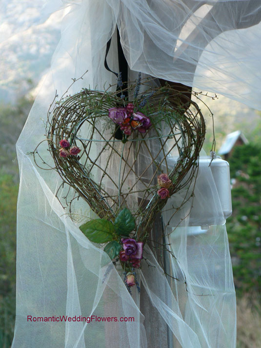 dried flower grapevine heart