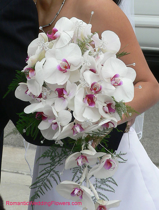 31 Days: Phalaenopsis Orchid Bouquet {Day 19}