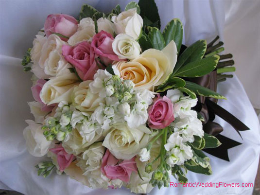 pink roses stock bouquet