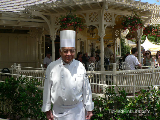 Jolly Holiday Bakery Disneyland Chef Oscar