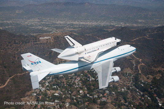 shuttle Endeavour Hollywood sign