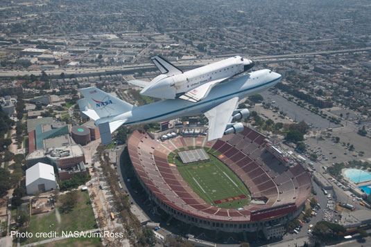 shuttle Endeavour Rose Bowl Pasadena California