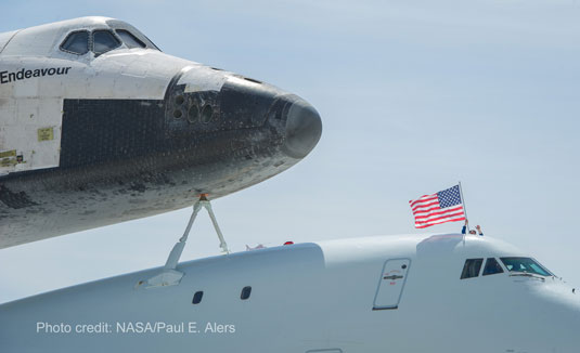 shuttle Endeavour arrives LAX