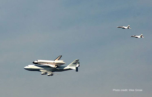 shuttle Endeavour escort
