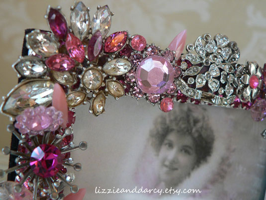 vintage jewelry picture frame pink
