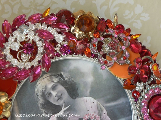 vintage jewelry picture frame round hot pink red orange